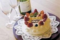 お祝いのホールケーキ