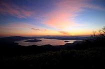 【周辺】朝焼けと屈斜路湖。津別峠展望台より