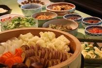 【朝食一例】地元野菜を使用したバイキング