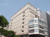 松坂屋名古屋本店(百貨店)徒歩約13分