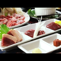 会津の名産・馬刺しを贅沢に3種食べ比べ♪