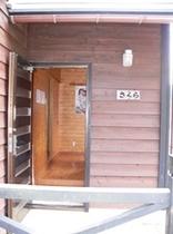 バンガロー(玄関)