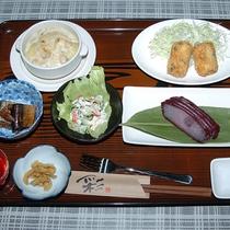 *【夕食一例】季節に応じたお食事をご用意いたします。