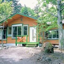 *4~6名用IIタイプ_外観/庭のある林間の平屋、一戸建て・庭付き(2LDK+ベランダ)78平米!