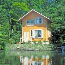 *3~5名用IまたIIタイプ_外観(夏)/池に面した2階建、一戸建て庭付き (2LDK+ベランダ)