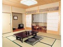 和室10畳 トイレ、洗面所完備。 お風呂は大浴場を使うか『平成の湯』をお使い下さい。
