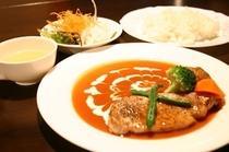 夕食肉料理一例