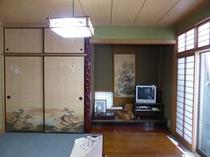 和室とテレビ