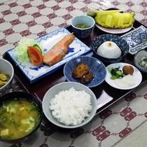 *【朝食一例】朝もしっかりとバランスの良いお食事を!