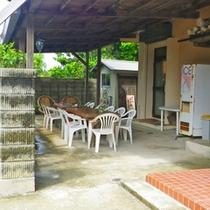 *【喫煙スペース】おタバコは本館入り口横の専用スペースにてお願い致します。