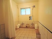 【お風呂】女性用シャワー室もあります。