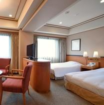 【トリプルルーム】広さ:約27㎡※1台はソファをベッドに致します(写真はイメージです)