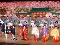 京の春を彩る「都をどり」 毎年4月開催 当館より歌舞練場はすぐです。