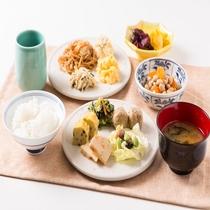 無料軽朝食盛り付け例 和食例(お好きなお料理をどうぞ!)