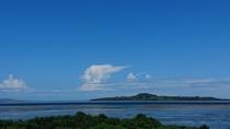 西表島からみた小浜島