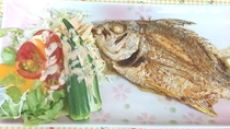 今日の大皿はチヌ(ミナミクロダイ)の唐揚げ