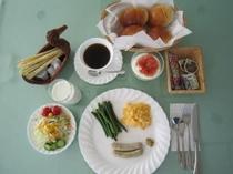 朝食の一例(大人用)