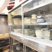 *共有キッチン/食器類もしっかり用意してありますので安心です。