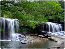 癒しの滝サンガラ