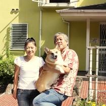 *オーナー夫妻&柚子小町。犬の駅はわんことわんこの家族の為の温泉宿です!