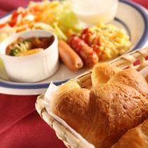*朝食一例/洋食をアメリカンスタイルのワンプレートでご用意致します。