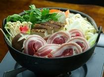 自慢の「しし鍋」
