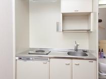 キッチンがついたお部屋もございます。長期滞在に便利です!