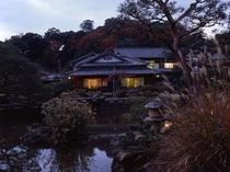 池泉式回遊式庭園<冬>