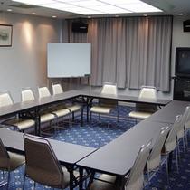 会議室(パレス)口の字