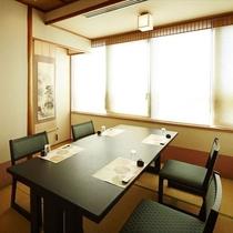 花しょうぶ小部屋 テーブル席