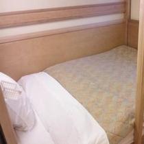 客室<デラックス/15平米/ベッド幅160㎝の2段ベッド1台>