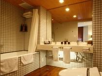 ■バスルーム(ファミリースイート)