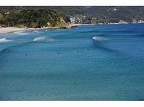 白浜海岸の波