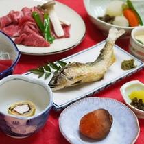 *【夕食全体例】地元の食材を中心に使った料理を8品程、ご用意いたします。