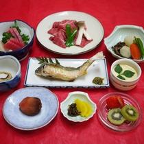 *【夕食全体例】素材本来の味を大切にし、1品1品丁寧に仕上げています。