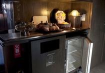 お茶コーナー&冷蔵庫