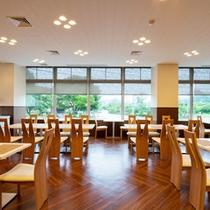 *<レストラン『春夏秋冬』>お食事はこちらでご用意いたします。