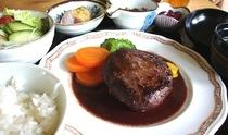 ハンバーグ定食 (伊江島産牛肉定食各種あります