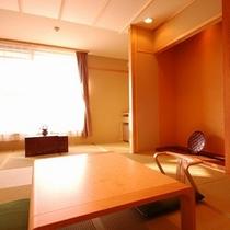 香栄草(こうばえぐさ)2階の和室12畳・バスなしのお部屋です