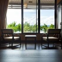 【葵亭ワイド】湖側◇お部屋食ルーム。諏訪湖を眺めながら、ごゆっくりとお寛ぎ下さい。