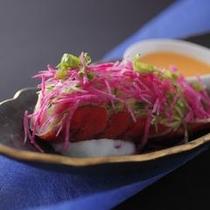 【美湖膳】最上級コース追加料理一例 ■オマール海老と帆立のサラダ仕立て
