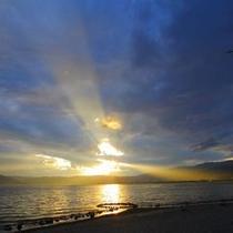 <神秘なる諏訪湖> 神秘なる諏訪湖に心癒される贅沢な時間