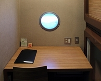 個室カプセル03