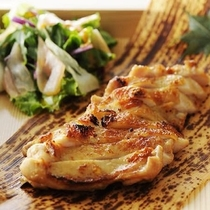 【居酒家かまどか】鶏ももの一枚焼き