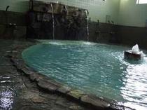 打たせ湯付き大浴場