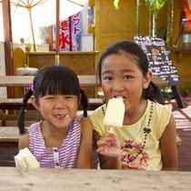 暑い日にはアイスを食べてひとやすみ。