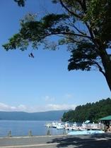 芦ノ湖畔の眺め