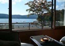 芦ノ湖畔側客室