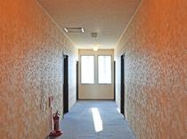 【客室】入り口前廊下