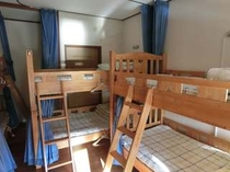 """Mix Dorm Room """"B"""" Bunk Beds 10 Guests"""